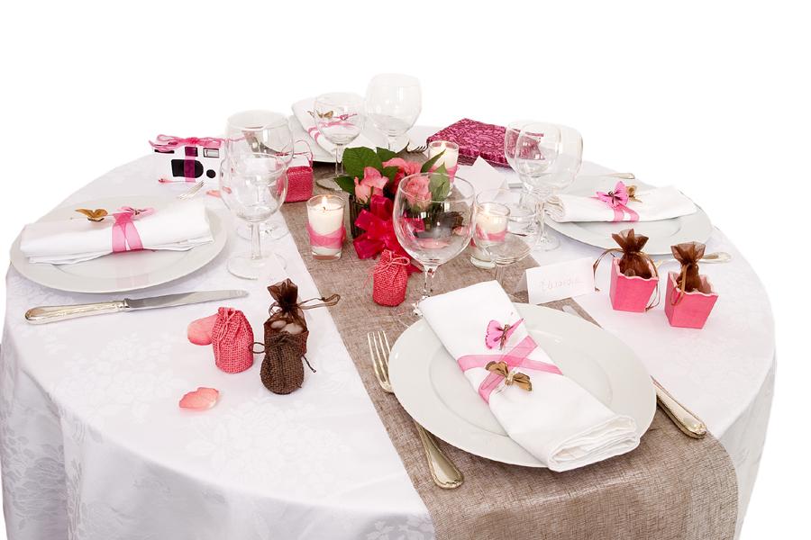id es de chemins de table pour un mariage photos pr paration mariage de l 39 organisation l. Black Bedroom Furniture Sets. Home Design Ideas