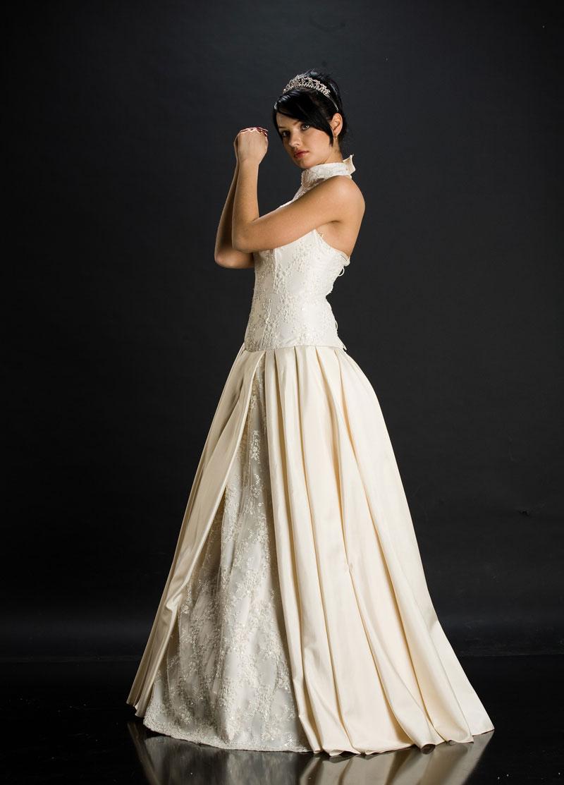 robe de mari e quel style choisir photos pr paration mariage de l 39 organisation l. Black Bedroom Furniture Sets. Home Design Ideas