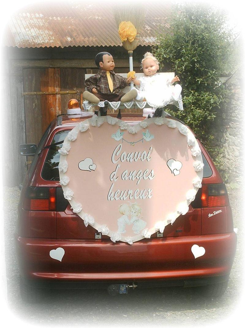Choisir voiture de mariage spéciaux liés au thème de mariage ou le lieu
